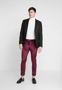 Burton Menswear London - VELVET PARTY - Kalhoty - burgundy - 1
