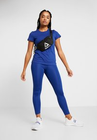 Reebok - TEE - Camiseta básica - cobalt - 1