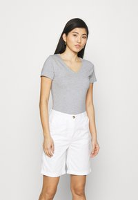 Marks & Spencer London - 2 PACK - T-shirt basic - grey/black - 3