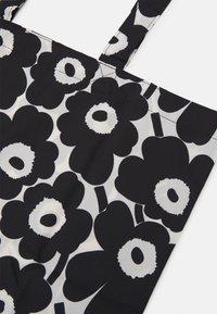 Marimekko - KIOSKI LOPULTA UNIKKO BAG - Tote bag - off white/black - 3