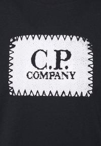 C.P. Company - SHORT SLEEVE - T-shirt imprimé - total eclipse - 5