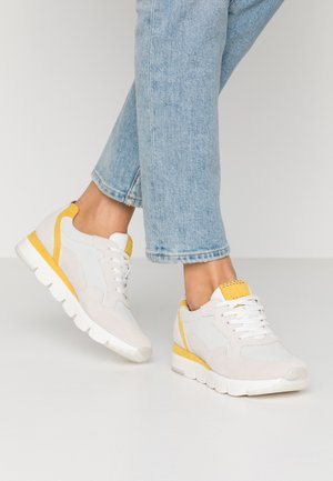 2-2-23754-34 - Sneakers - offwhite