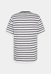 Nike Sportswear - Print T-shirt - white/black/iron grey - 1