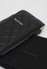 Valentino by Mario Valentino - OCARINA - Peněženka - nero - 4
