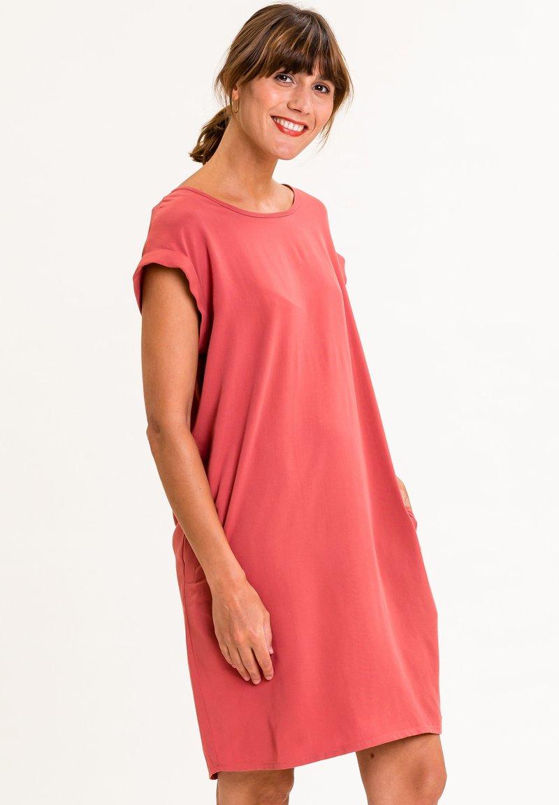 UVR Berlin - ANNABELLINA - Jersey dress - rostrot