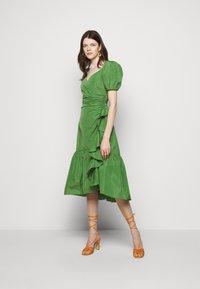 Cinq à Sept - MEGAN DRESS - Day dress - grass - 0