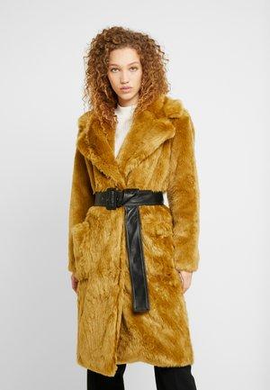 IDOL - Płaszcz zimowy - chartreuse