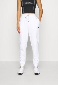 Nike Sportswear - Joggebukse - white - 0