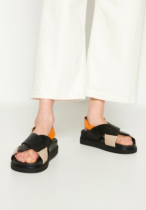 DARCIE - Korkeakorkoiset sandaalit - black/orange