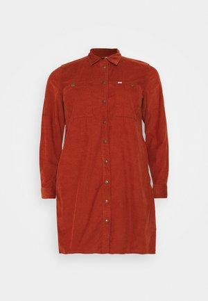 WORKSHIRT DRESS - Paitamekko - red ochre