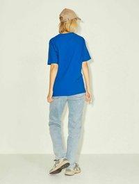 JJXX - T-shirt z nadrukiem - mottled dark blue - 2
