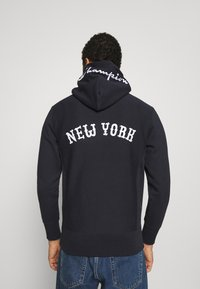 Champion Reverse Weave - HOODED NEW YORK - Sweatshirt - dark blue - 2