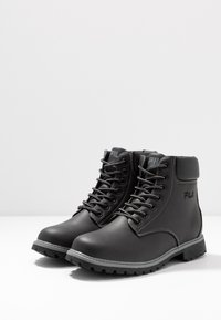Fila - MAVERICK - Snørestøvletter - black - 4