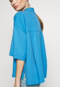 DRYKORN - THERRY - Button-down blouse - blue - 4