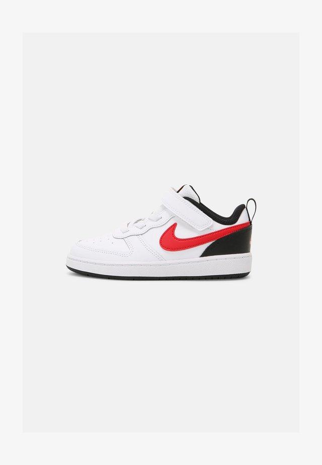 COURT BOROUGH 2 UNISEX - Sneakers laag - white/red/black