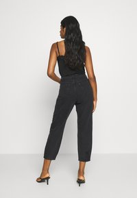 Miss Selfridge Petite - ARLO - Jeans Skinny Fit - black - 2