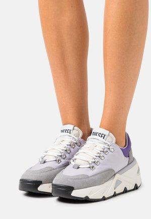 S-HERBY TREK - Trainers - soft purple