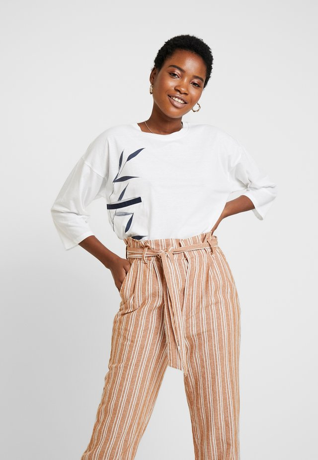 POCKET DETAILED RELAXED FIT - Long sleeved top - off white