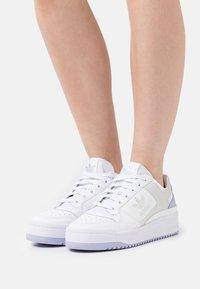 adidas Originals - FORUM BOLD  - Trainers - white/violet tone - 0
