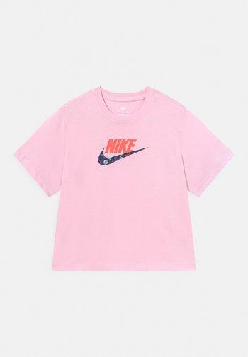 TEE BOXY - Camiseta estampada - pink foam