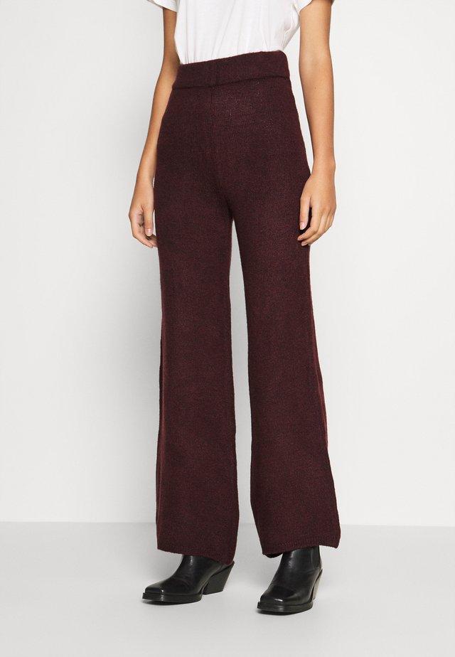Pantalones - burgundy