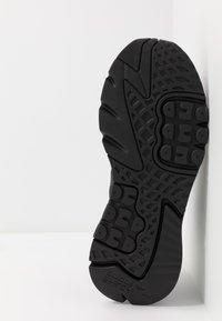 adidas Originals - NITE JOGGER - Sneakers laag - core black - 6