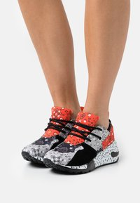Steve Madden - CLIFF - Sneakers - grey/red - 0