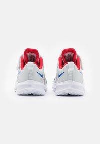 Nike Performance - DOWNSHIFTER 11  - Zapatillas de running neutras - photon dust/game royal/university red/white - 2