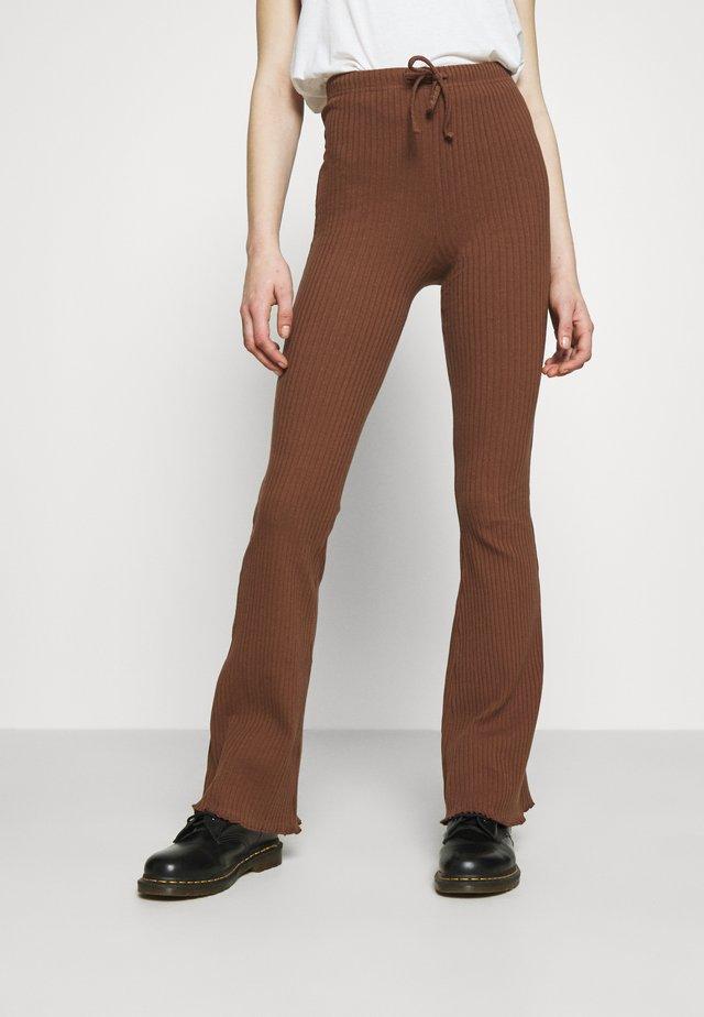 WIDE LEG - Broek - chocolate
