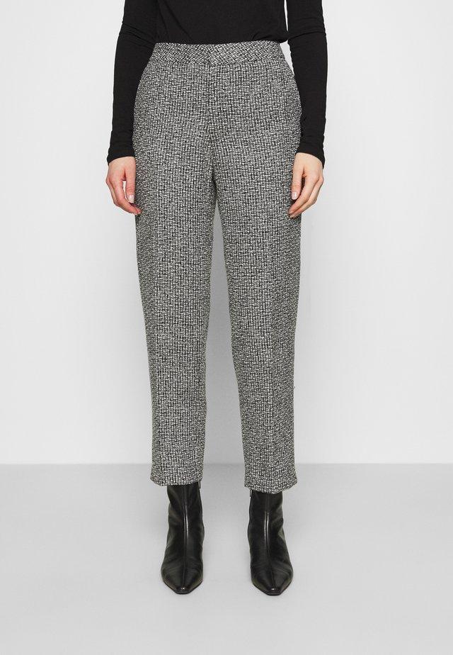 TROUSERS LOWE  - Pantalon classique - black/white