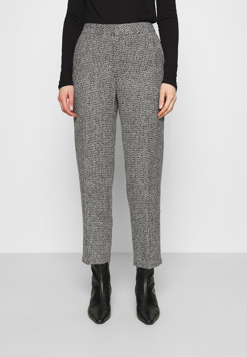 Carin Wester - TROUSERS LOWE  - Bukse - black/white