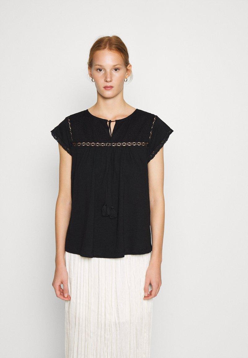 Dorothy Perkins - VICTORIANA - Print T-shirt - black