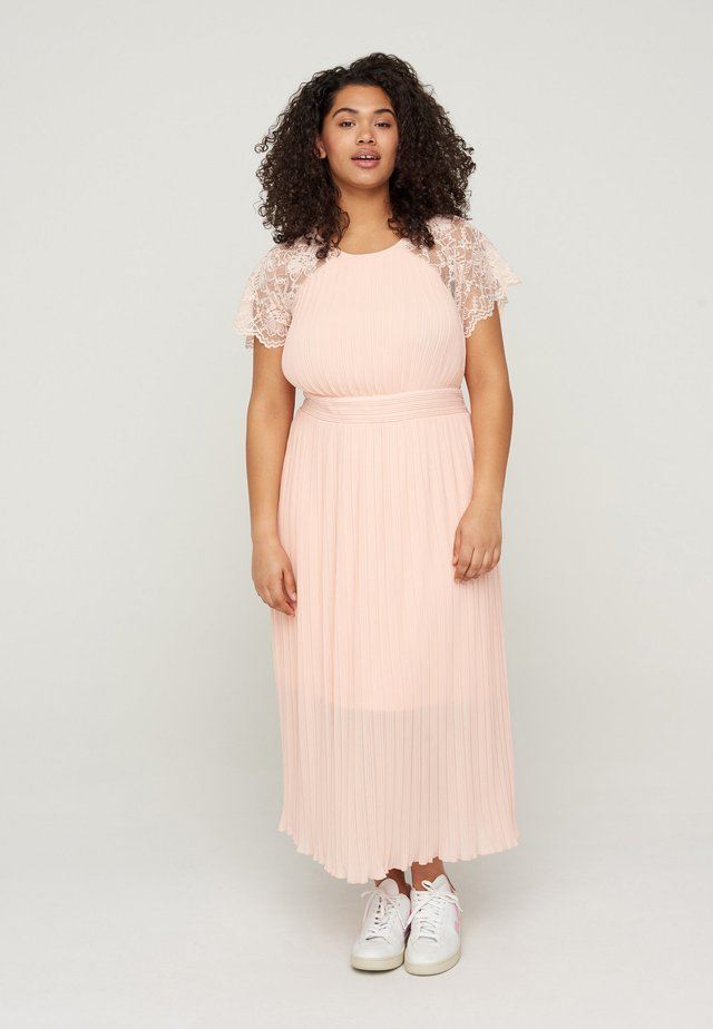 WITH LACE AND SMOCK DETAIL - Cocktailjurk - rose smoke