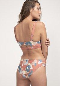 boochen - CAPARICA - Bikini top - rot - 3
