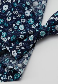 Only & Sons - ONSTBOX BOW TIE & HANKERCHIEF - Pocket square - black/mint - 2