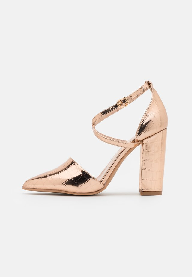 WIDE FIT KATY - Zapatos altos - rose gold