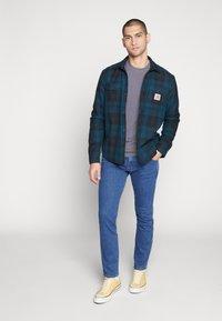 Wrangler - LARSTON - Slim fit jeans - best rocks - 1