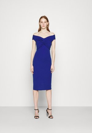 JORDYN OFF THE SHOULDER MIDI DRESS - Vestido de cóctel - electric blue