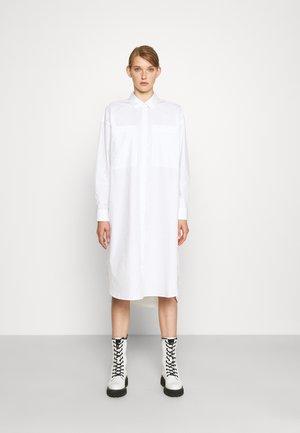 FLURRY - Sukienka koszulowa - bright white