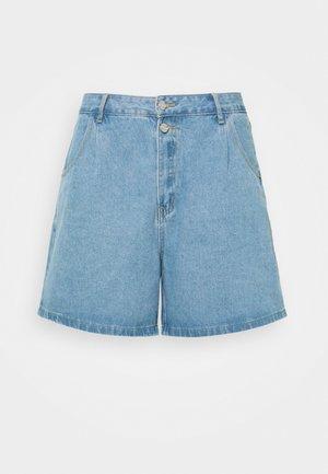 BERMUDA MID WASH - Denim shorts - blue