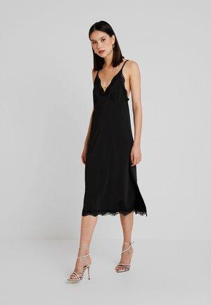SLINKY DRESS - Žerzejové šaty - black