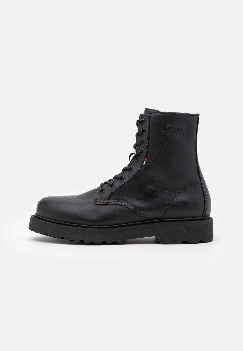 Tommy Jeans - MENS LACE UP BOOT - Botki sznurowane - black