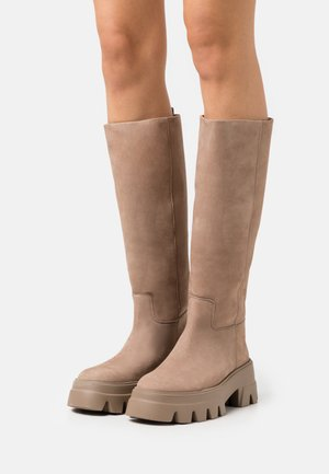 Platform boots - morbidoneberceo/marataupe