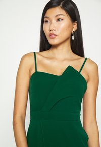 Trendyol - ZÜMRÜT YEŞILI - Koktejlové šaty/ šaty na párty - emerald green - 6