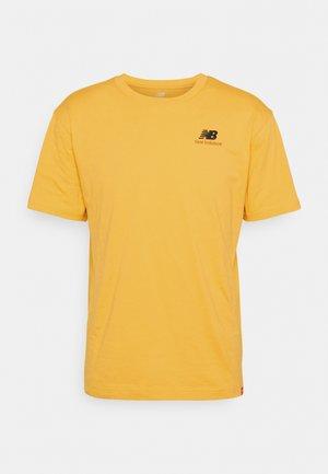 ESSENTIALS EMBROIDERED TEE - Basic T-shirt - aspen