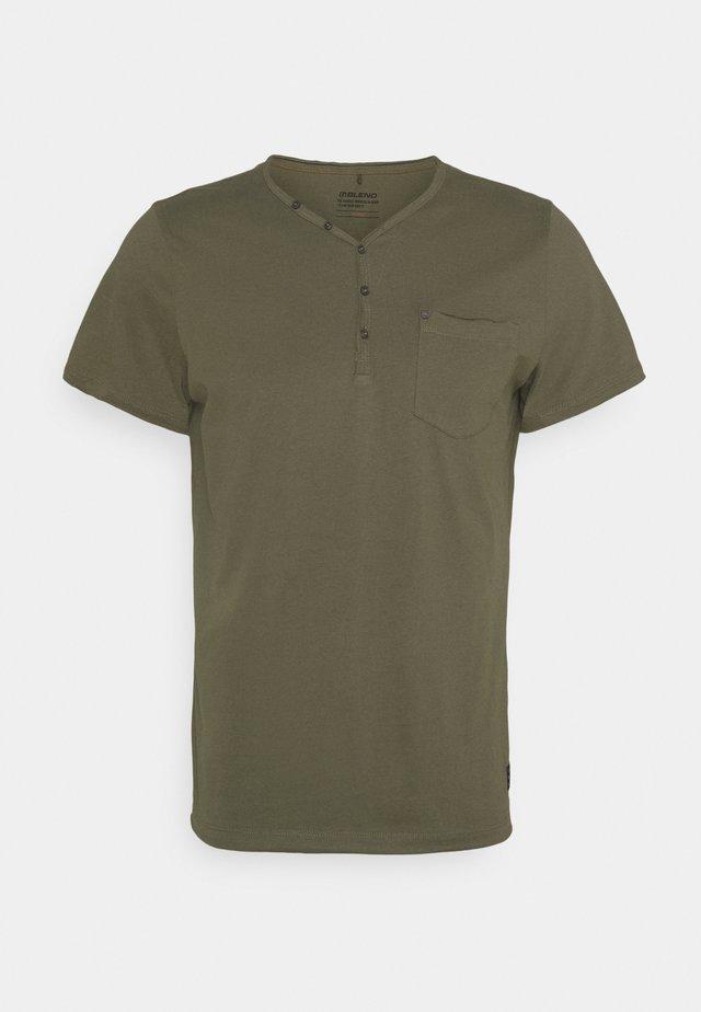 TEE - Basic T-shirt - dusty olive