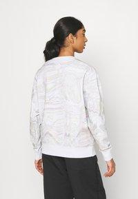 Nike Sportswear - TREND CREW - Sweatshirt - white - 2