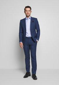 Ben Sherman Tailoring - BRIGHT FLECK SUIT SLIM FIT - Kostym - blue - 1