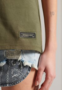 Superdry - Print T-shirt - khaki - 1