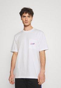 adidas Originals - LOGO TEE UNISEX - T-shirt imprimé - white - 2